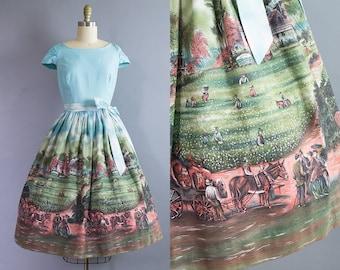 1950s Novelty Print Dress/ 50s Millworth scene cotton day dress/ Medium (34b/27w)