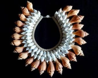 Coachella Shell Necklace Boho Luxe Look Women Fashion Eye Catching Home DecorArt