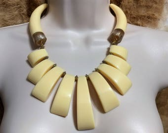 Cream, Off White Horn/Chunks Lucite, Gold Tone Necklace Choker