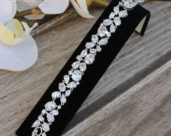 FAST SHIPPING!! Beautiful Zirconia Bracelet, Bridal Bracelet, Maid of Honor Bracelet, Bridesmaid Bracelet, Sweet 16 Bracelet, Quinceañera