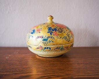 Vintage Hand painted Kashmir India Paper Maiche Box