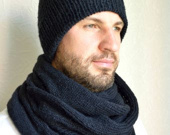 Hand knitted men's hat and scarf