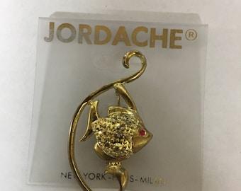 Vintage Jordache gold brooch of fish