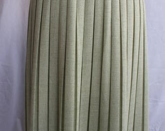 Pale green permanent pleated skirt REF 703
