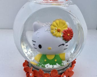 Personalized Hello Kitty Snow Globe - Shatterproof Snow Globe