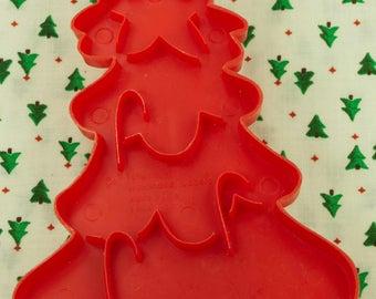 1978 Wilton Red Christmas Tree Plastic Imprint Cookie Cutter Hongkong