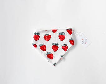 Organic Cotton Bibdana - Strawberries / Certified Organic / Drool Bib / Baby Bib / One Size