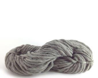 Super Chunky Wool Yarn Chunky Knitting Wool Bulky Super Bulky Yarn Wool Chunky Knit Yarn Super Super Bulky Yarn Gray Chunky Wool col.5248