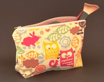 Zipper Cosmetic Case Animals,Pencil Case Beige,Pencil Bag,Zipper Pouch,Bach to School,Makeup Bags,Gift For Her,Sister Birthday Gift (0176)