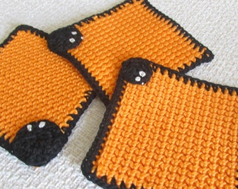 Halloween gift 4 coasters Set of 4 coasters Halloween party coasters Crochet coasters Halloween gift for best friend Gift for coworker gift