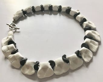 Artisan Necklace in Black and White 4