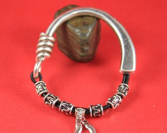 9/8 MADE IN EUROPE zamak half bracelet, half cuff, magnetic half bracelet (94989/05) Qty1