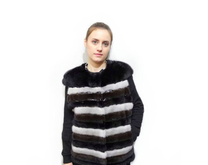 Colorful fur stripes vest with leather stripes F392