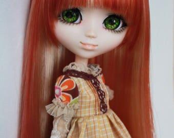 Copper/blonde bicolor wig for Pullip doll.