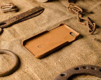 iPhone 8 case, iPhone 8 leather case, leather iPhone 8 case, iphone 8 hard case, iphone 8 cover, Crazy Horse brown leather, vintage, beige.