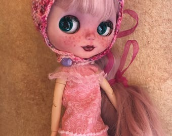 Dress and Hat Outfit for Blythe, Blythe ruffled Dress and Knitted Cap for Blythe Doll
