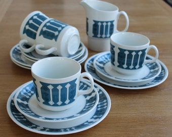 Johnson Brothers Snowhite set of 4 cups, saucers, cake plates and milk jug
