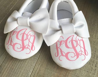 Personalized Moccasins - Baby Moccasins - Monogram Shoes - Crib Shoes - Personalized Shoes - Custom Baby Shoes - Personalized Baby Moccasin