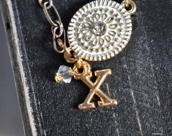Gold Pendant Charm Initial Necklace | Classy Initial Necklace | Single-Chain Style