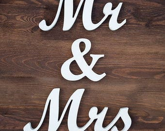 Mr & Mrs Sign, Wedding Sign, Mr and Mrs, Wedding Decor, Newly Wed, Gift, Home Decor, Wall Hanging
