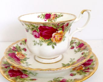 Royal Albert Old Country Roses Cup and Saucer, Trio Bone China England