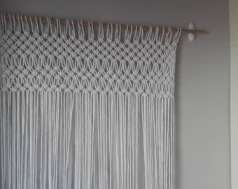 Hand-woven curtain in macrame with white cotton.Corina boho of white cotton.Corina Yoga.Cortinas color white