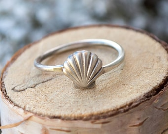 Shell ring | sterling silver ring | adjustable ring | adjustable | unique ring | nature jewelry | animal ring | seashell ring | simple ring
