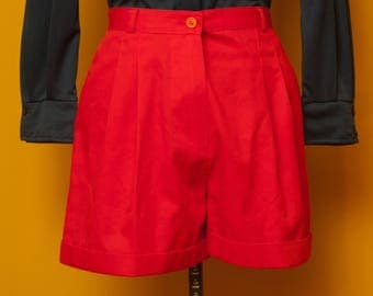 Vintage 1970's High Wasted Pleated Cuffed Red Shorts Size Small