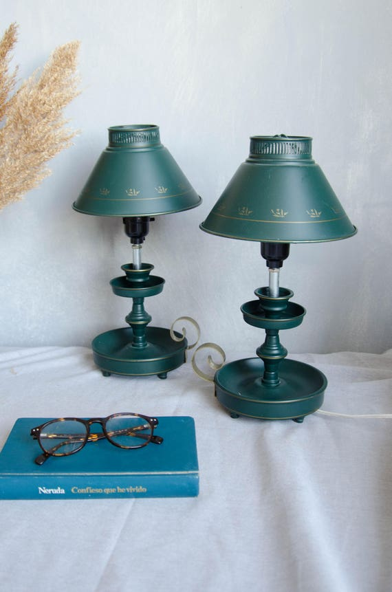 Vintage set of 3 Table lamp in metal with little flowers.