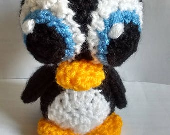 Big eyed penguin (crocheted)