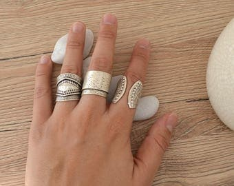 Bohemian Silver Engraved Shield Design Ring, Silver Statement ring, Bohemian Free People style inspired ring, US women Ring size 6-7.5