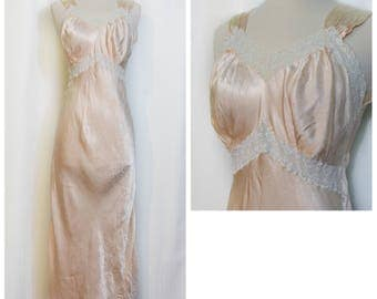 Tailored by Leona 40s Blush Nightgown