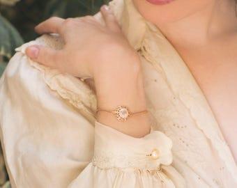 Graceful Bracelet, Rose Gold Bracelet, Flower Bracelet, Delicate Bracelet, Vintage Style Bracelet,  Vintage Style Jewelry, New Year Gift