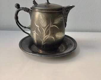 Pairpoint creamer/pitcher with tray quadruple silver plate