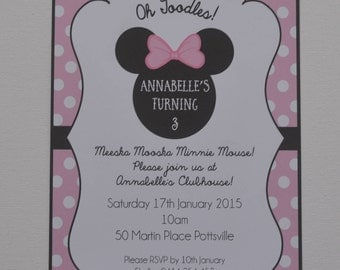 Pack of 10 ~ Minnie Mouse themed party invitation