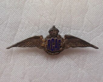 WW2 RCAF (Royal Canadian Air Force) sweetheart wings  *bmx76