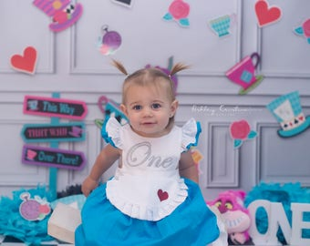 Wonderland Dress / 1st Birthday / Baby Girls First Birthday Outfit / in ONEderland / Tea Party
