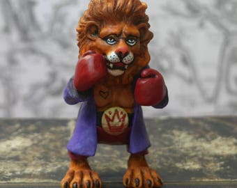 """The Lion/Leo/Alice"" figurine's Adventures in Wonderland/The Lion and the Unicorn/adventures of Alice in Wonderland/art doll /Alice country"