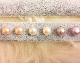 Freshwater pearls ear stud with silver pin
