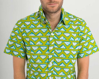 Mens 100% Cotton Short Sleeve Slim Fit Shirt Green White Triangles Print