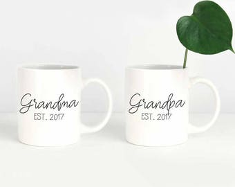 Grandma and Grandpa Mug Set, Personalized Pregnancy Announcement, Grandma Est 2018, Grandpa Est 2018, Personalized Grandparents Gift Mugs
