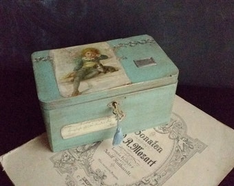 Vintage style wood box decorated. Hand painted