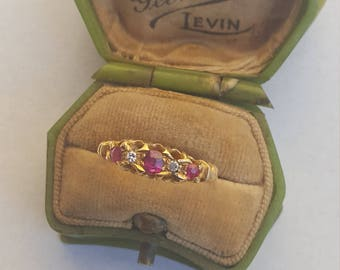 Antique diamond and ruby ring,  Victorian 18ct gold quality rubies and diamonds, rich 18ct yellow gold ring