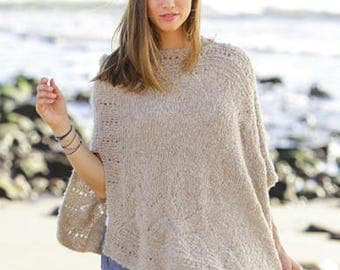 Poncho with pattern knitting