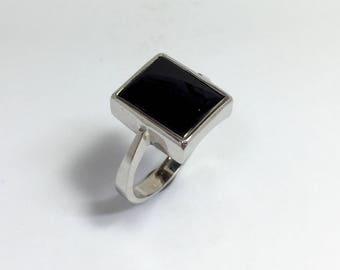 Sterling silver vintage hand crafted ladies black onyx ring.