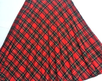 Vintage 80s red and green plaid school girl wool skirt. Size 12