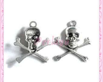Set of 15 REF037X3 silver skull charms