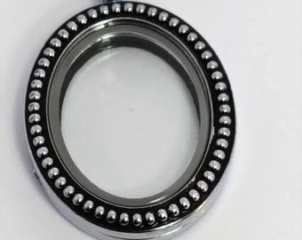 Oval Shaped Vintage Style Locket