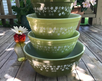Vintage Pyrex, Mixing Bowls, Nesting Bowls, Spring Blossom Green, Set of 4, 401, 402, 403, Instant Pyrex Collection