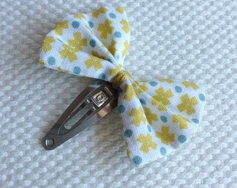 Mint and mustard bow hair clip